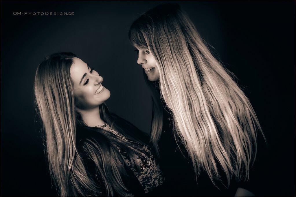 Flo Rentine & Sophia